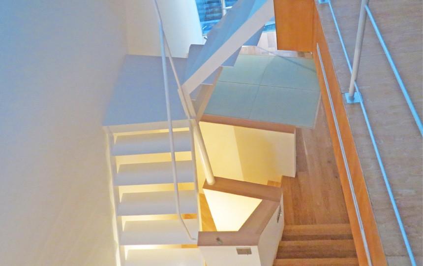 小松南町の家_施工事例階段